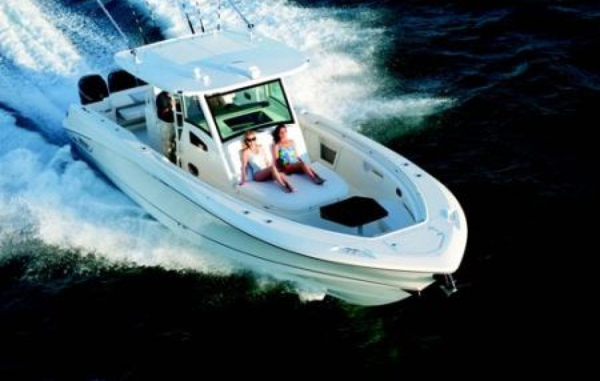 Boston Whaler 370 Outrage