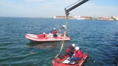 Απορύπανση Θερμαϊκού από την Ελληνική Ομάδα Διάσωσης