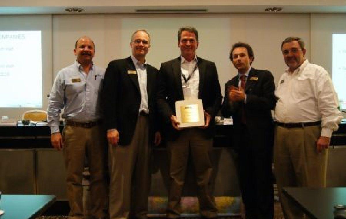 Βραβείο καλύτερου νέου αντιπροσώπου Boston Whaler στην Motocraft