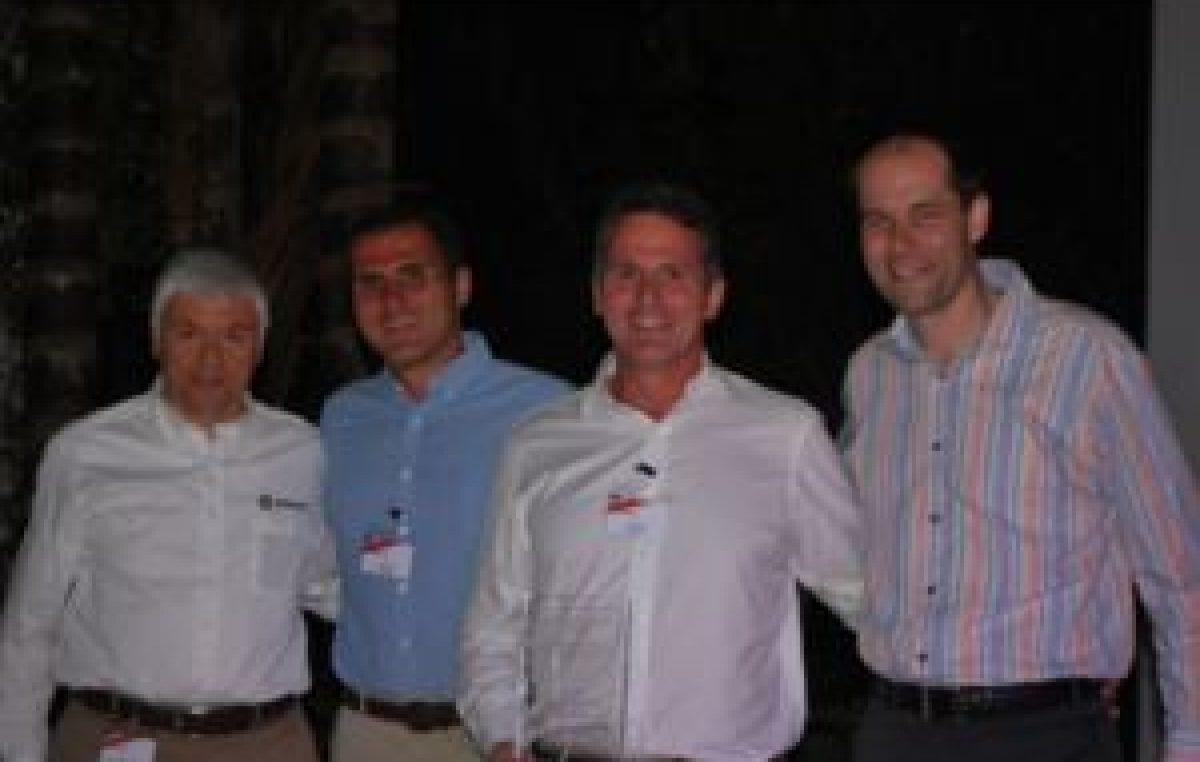 Επετειακό βραβείο 50 χρόνων συνεργασίας στην MOTOCRAFT από την Mercury Marine.