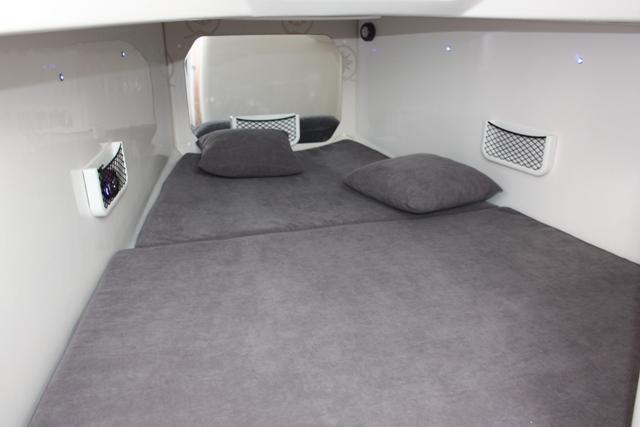Mito 31 Cabin (8)
