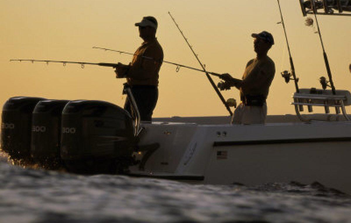 Καταργήθηκαν οι άδειες ερασιτεχνικής αλιείας