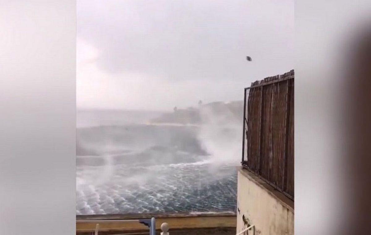 Κέρκυρα: Τουρίστας κατέγραψε σε βίντεο μία θαλάσσια «ρουφήχτρα» [vid]