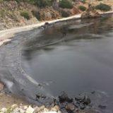 Σαλαμίνα: Οι εικόνες της θαλάσσιας ρύπανσης – Πετρέλαιο και πίσσα μετά τη βύθιση πλοίου